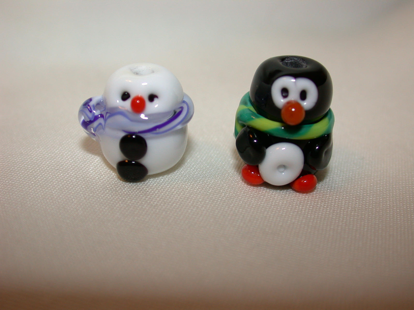 Let It Snow Lampwork by tiannei