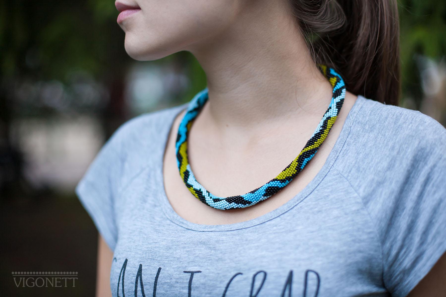 Necklace Waves by Vigonett