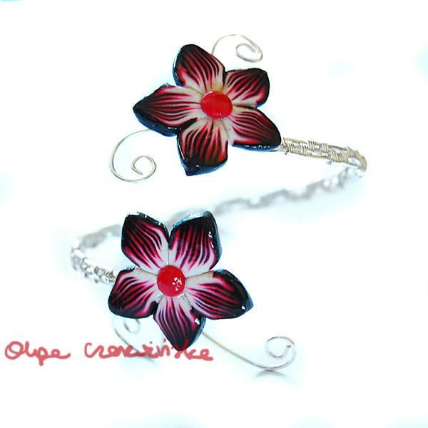 Red flowers bracelet by OlgaC