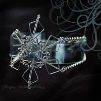 Snowflake bracelet by OlgaC