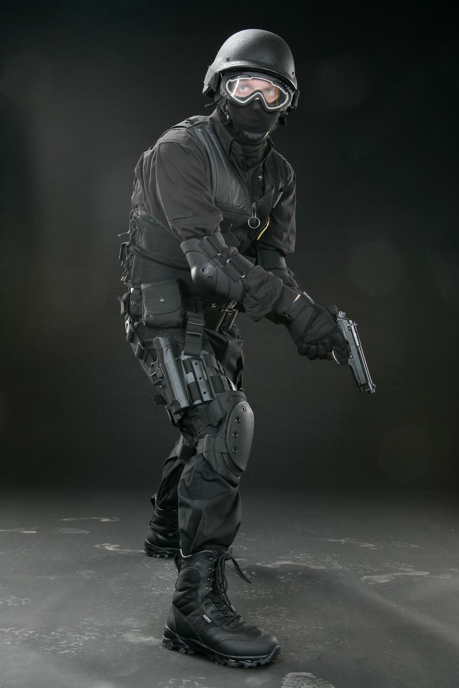 SWAT pistol 3 by Blaq-Unicorn