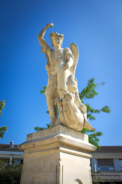 Statue by Jyzee