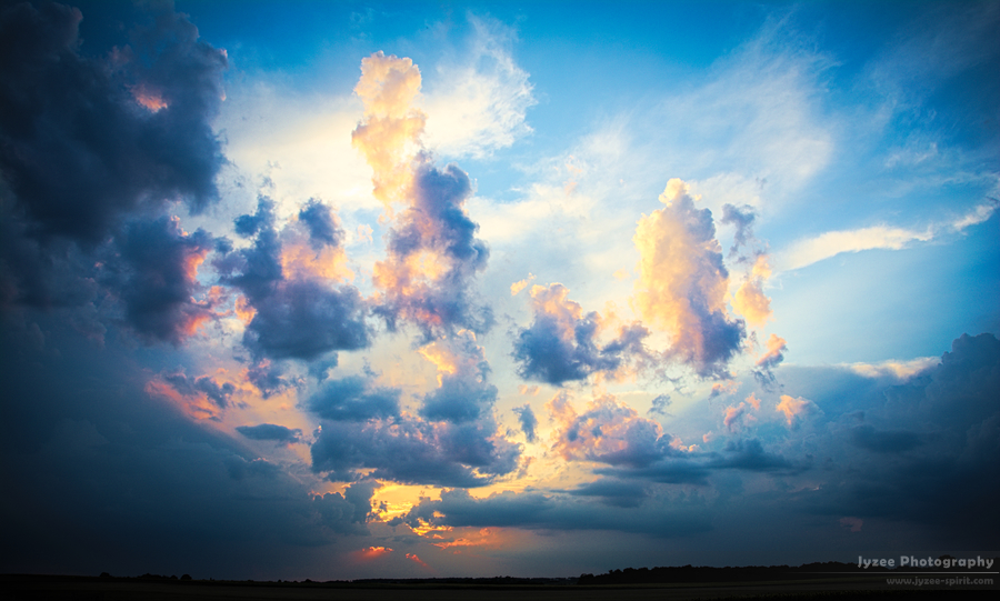 Colorfull Clouds by Jyzee