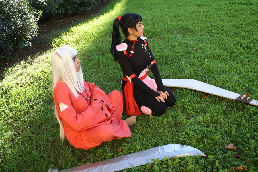 Inuyasha And Sango Cosplay Sitting In The Grass By