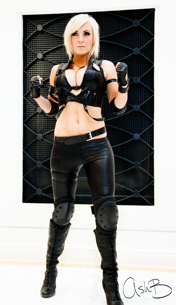 Jessica Nigri as Sonya Blade by AshBimages