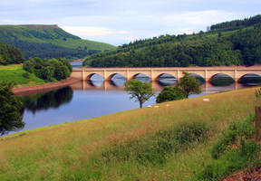 Ladybower and Derwent by mzkate