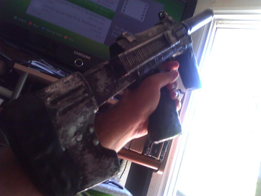 HALO ODST SUBMACHINE GUN (PROP) COSPLAY by DrunkenIronRabbit
