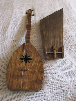 'Mandolaur' and 10-String Kantele