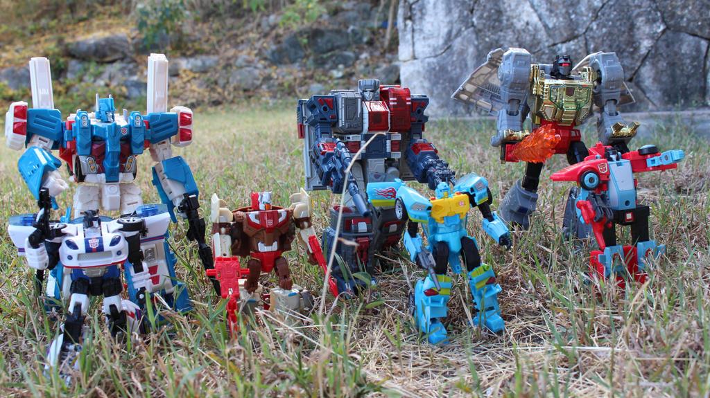 Heroes Return: The Autobots by Urbn1nja