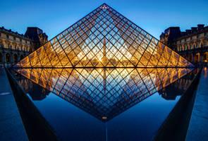 Louvre Pyramid by digitalbrain