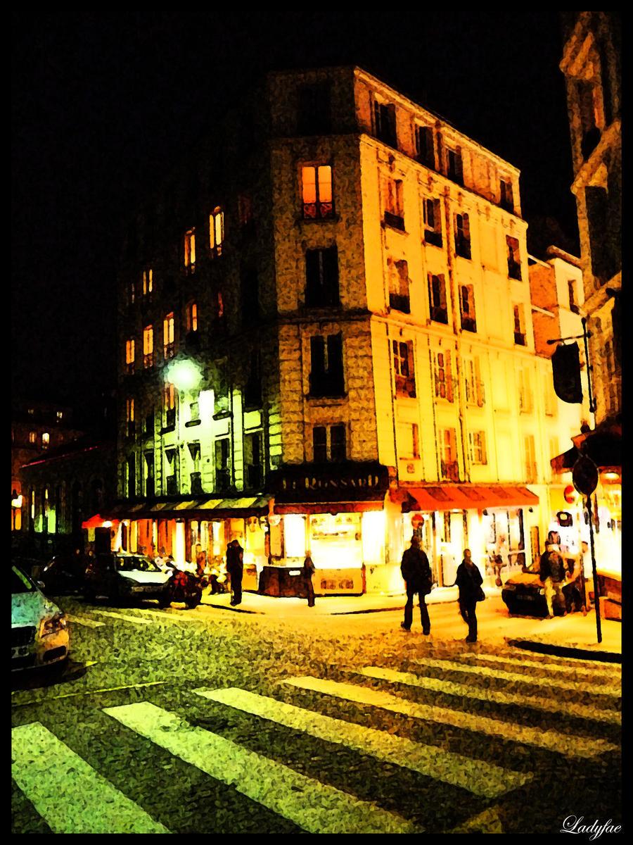 http://fc01.deviantart.net/fs71/i/2010/089/f/6/Paris__Paris____by_0Ladyfae0.jpg