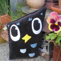 Upcycled Velvet Owl by verukadolls