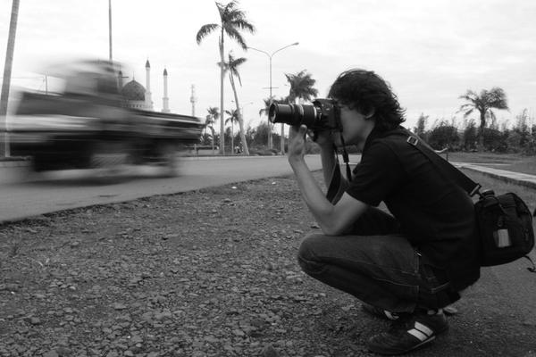 street photographer by derrynotdying