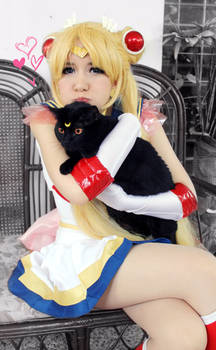Super Sailor Moon and Luna Cosplay