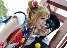 Sailor Moon and Tuxedo Mask cosplay