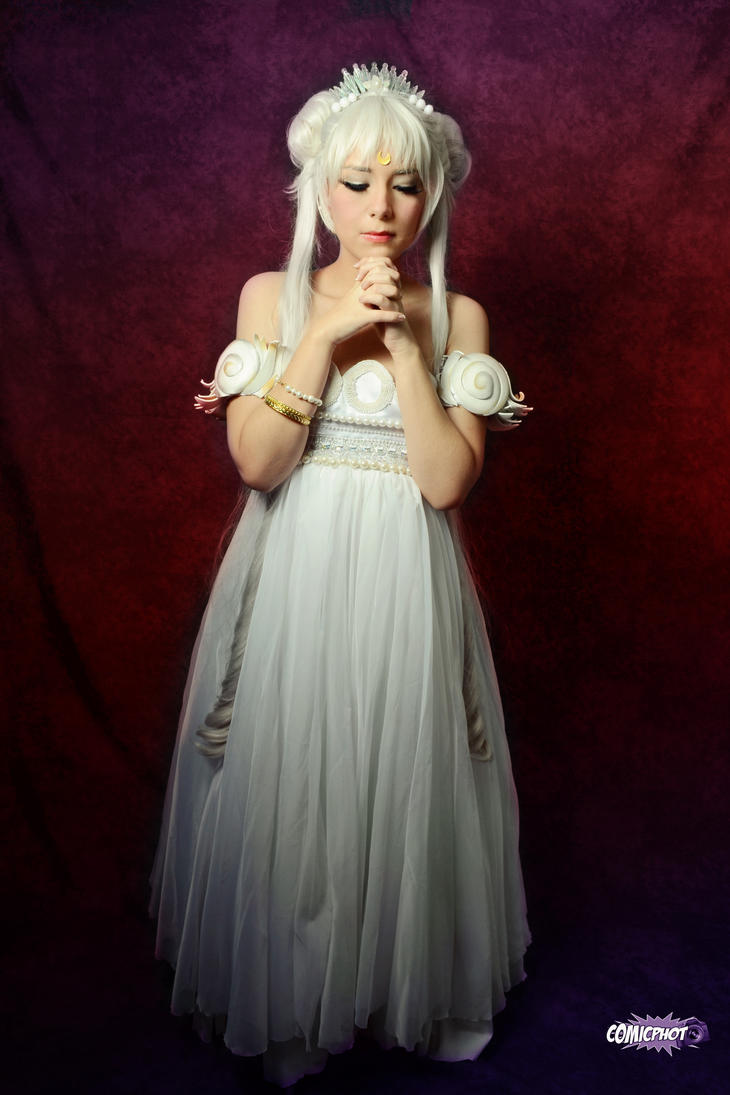 Moon Princess Serenity Cosplay - Manga by SailorMappy