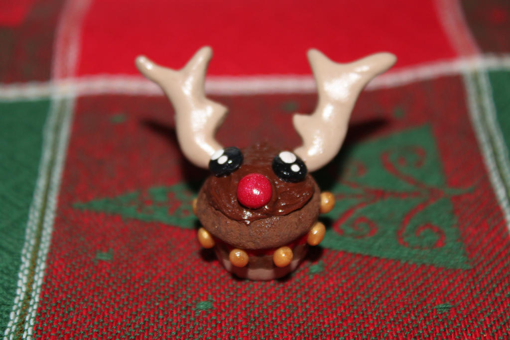 Reindeer cupcake by LifeIsBeautiful99