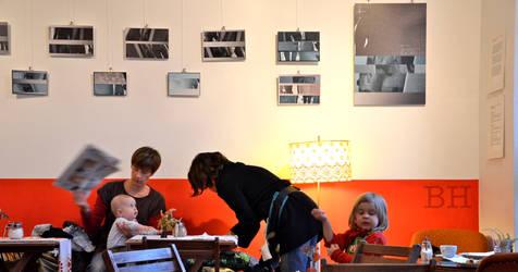 Cafe Con Calma Berlin by Batsceba