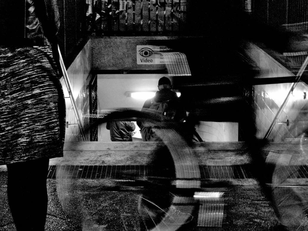 Pa150110 - city ghost B/W by Batsceba