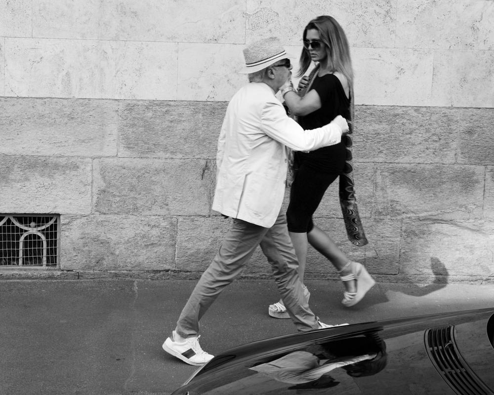 Dancing in the street by Batsceba