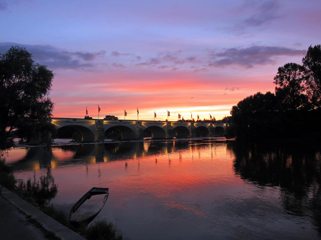 Sunset on river Loire, Tours by elainelouve