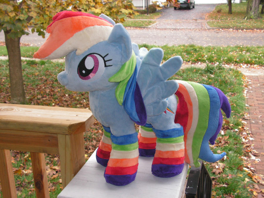 Rainbow Dash Plush- with socks by KarasuNezumi