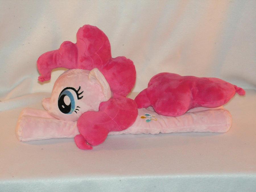 Pinkie Pie Beanie by KarasuNezumi