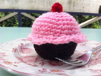 Cupcake plushie by LaMorocha66