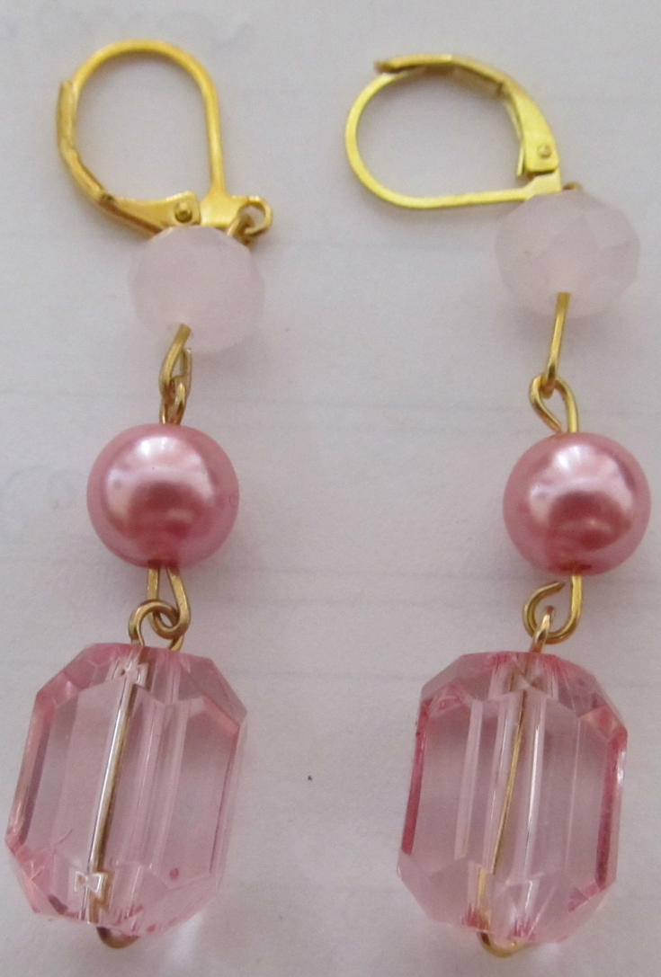 Pink crystal earrings by AnaInTheStars