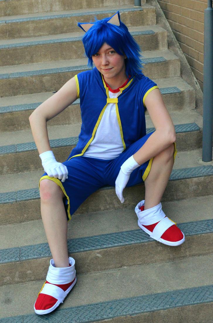 Sonic the Hedgehog by XxNaomi-LukarixX