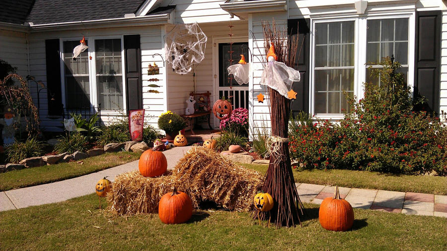 Halloween decoration by Crafty-Mom