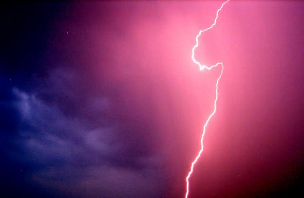 Crying lightning by kajsahh