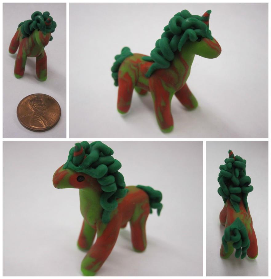 Christmas Unicorn by BethyLuv215