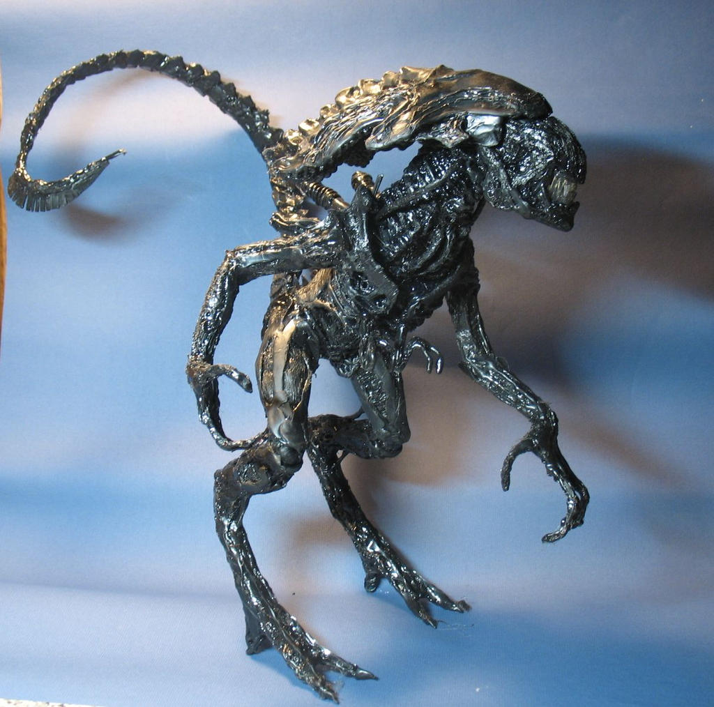 Hot melt glue sculpting - Xenomorph Queen by MarcinSurma ...