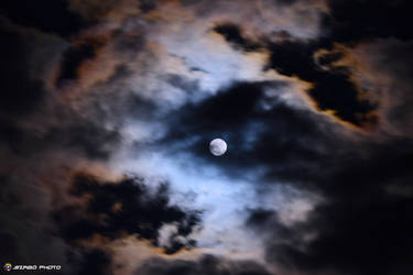 Moon with clouds by andika0
