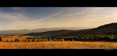 valley of kings II by iustyn