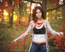 Leaning on autumn tree by pnn32
