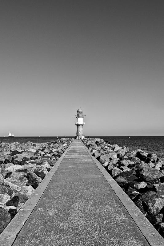 Ein Tag Am Meer 2 by pillendrehr