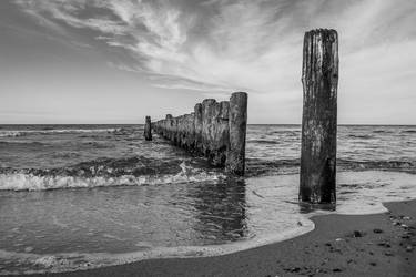 Walking on the Beach 3 by pillendrehr