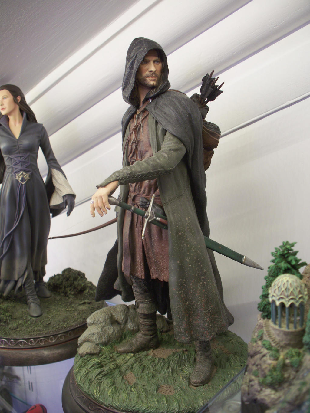 The images for -- Aragorn Costume