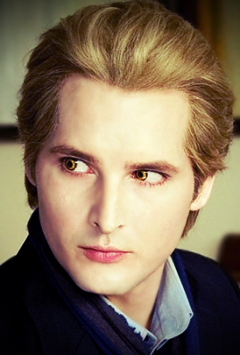 http://fc00.deviantart.net/fs47/f/2009/210/e/b/Carlisle_Cullen_in_New_Moon_by_wow_a_deer.jpg