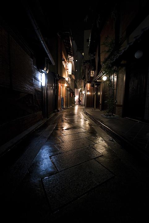 Rainy alley by paikan07