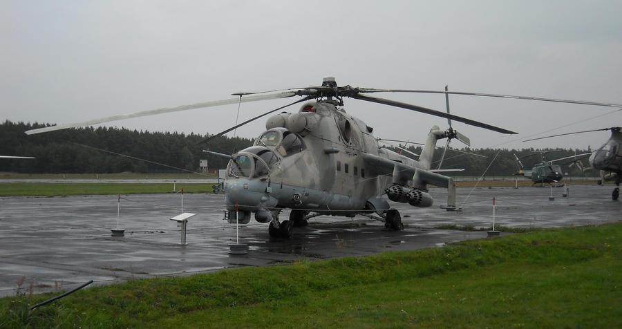 Mil Mi-24 by MelvWolfe