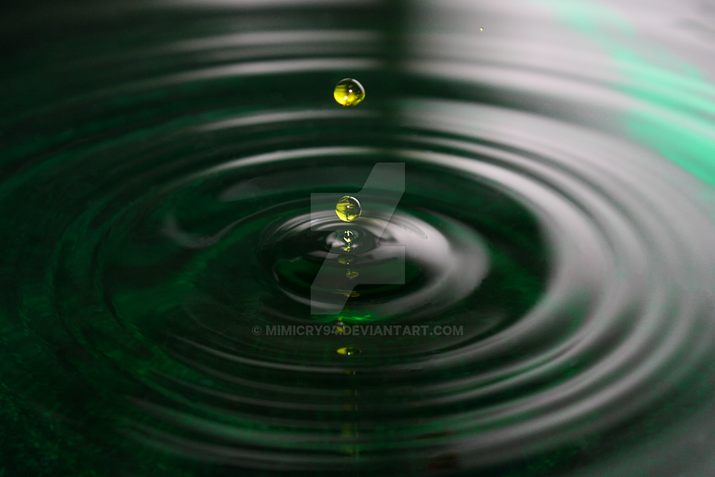 Drop of water | Wassertropfen by mimicry94