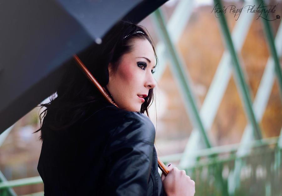 Under my umbrella by anaispopy
