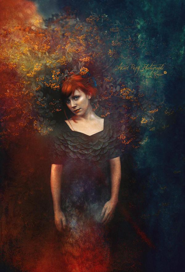 Femme Paon by anaispopy