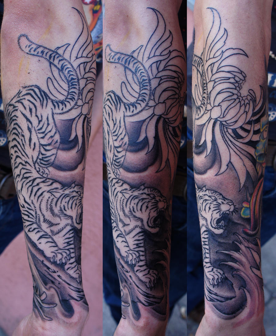 Japanese tiger halfsleeve by strangeris