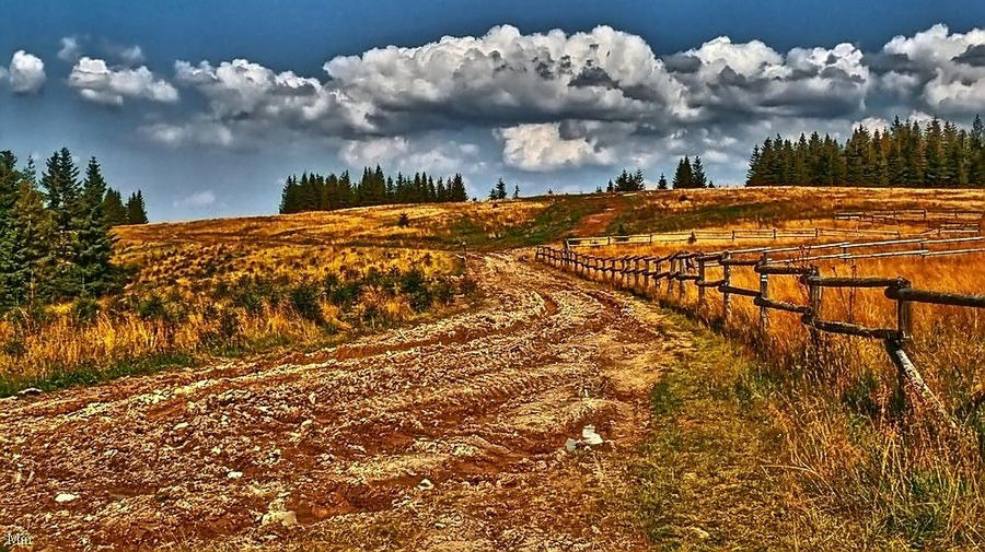 Polish autumn in the Beskids by miirex