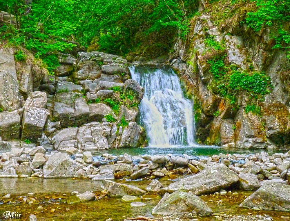 Waterfall by miirex