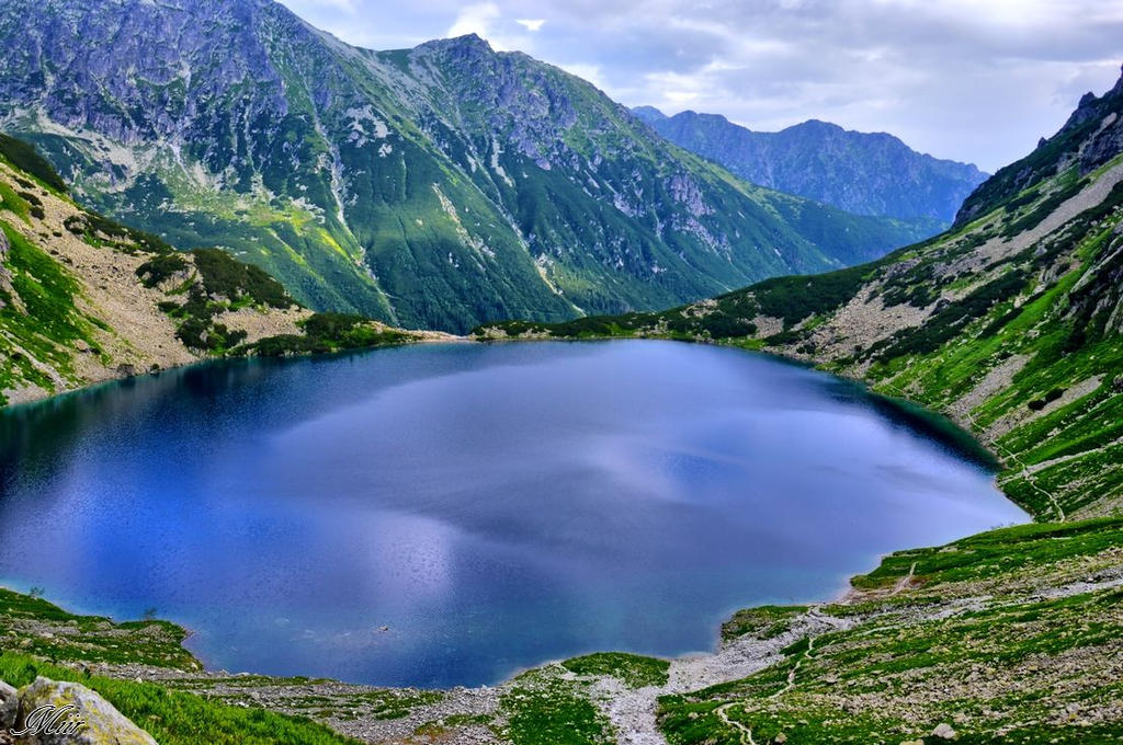Pond in the mountains. by miirex